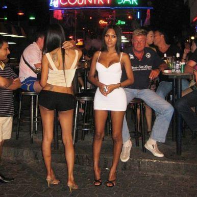 10 Ways to Spot a Ladyboy in Thailand - Thaimbc.com